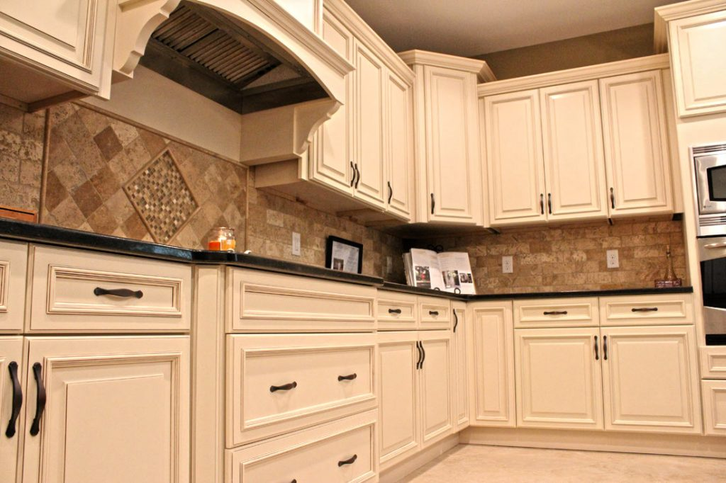 Algonquin Luxury Apartment Kitchens With State Of The Art Appliances And  Ivory Wood