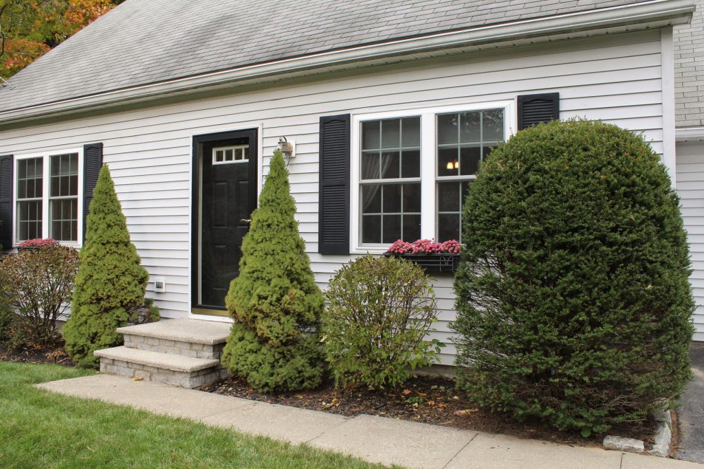 17 Schuyler Way North in Northumberland (Saratoga County) New York
