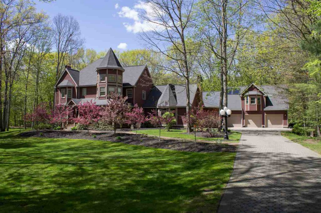20 Leaward Way in Saratoga Springs, NY real estate for sale