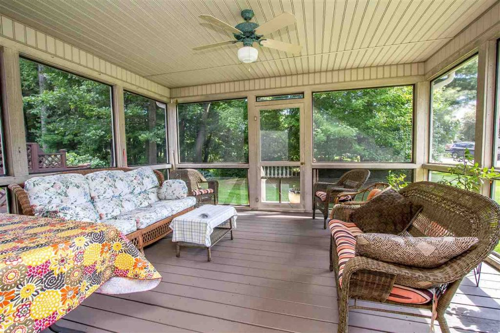 17 Donegal Way, Wilton, NY has a screened porch off the dining area