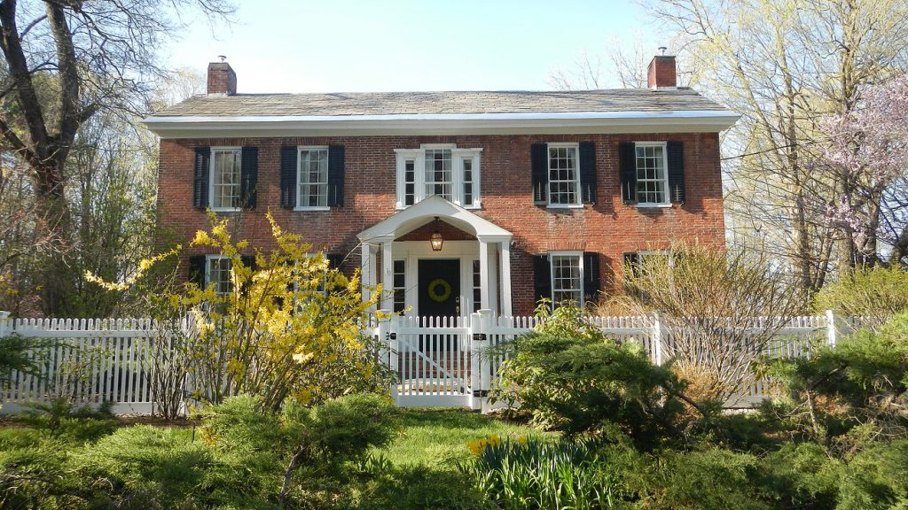 Country House Bed & Breakfast is located between Saratoga Springs and Lake George, NY