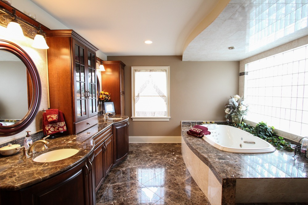 1128 Middleline Road in Milton, NY has an elegant master bathroom