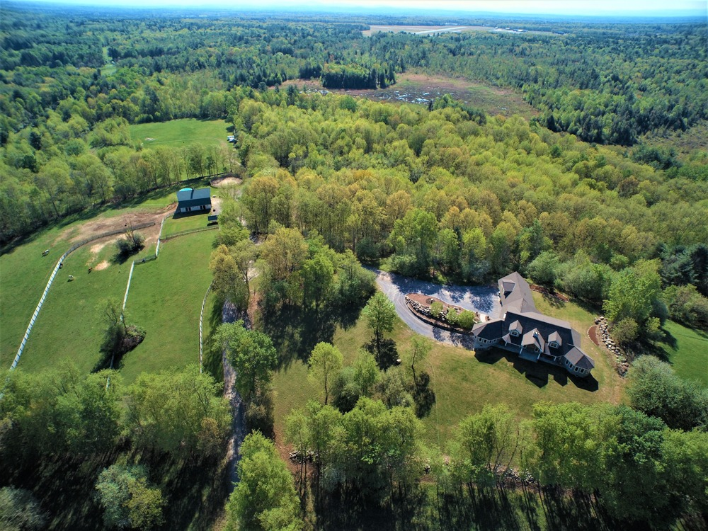 Aerial view of 1128 Middleline Road