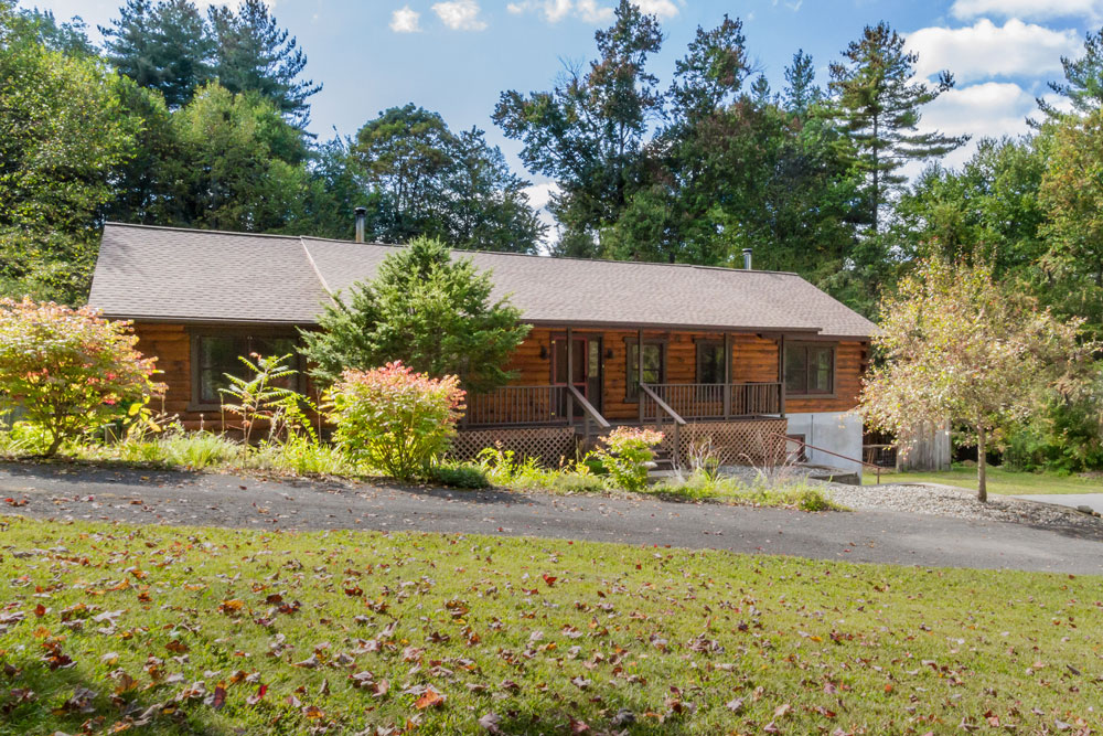 105 grange road in greenfield, ny is a 4 bedroom 3 bath home for sale for $369,900 in saratoga county