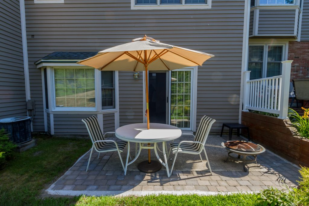 140 Kaydeross Park Road is a resort community townhouse on Saratogs Lake with a patio and lots of recreational amenities