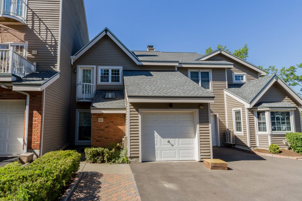 140 Kaydeross Park Road is a townhouse for sale on saratoga lake, Saratoga Springs NY