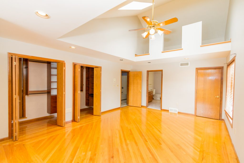 18 Miller Road in Ballston Lake NY 12019 is a home for sale with spacious master featuring vaulted ceilings and California closets