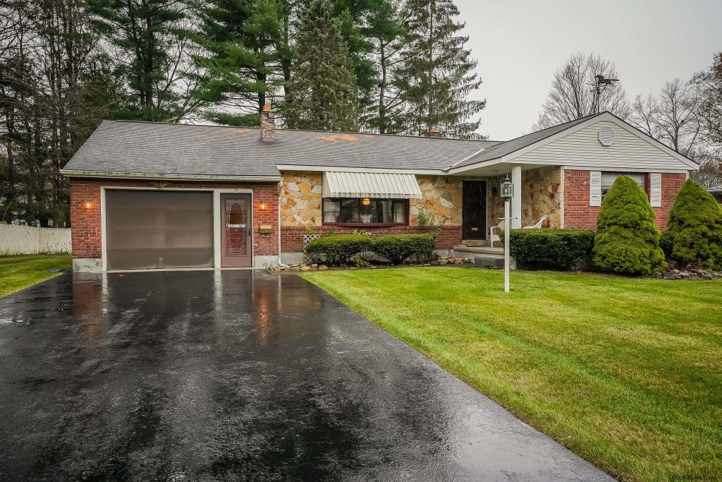 19 Crommelin Drive is in Saratoga Springs with 3 bedrooms and 1.5 bathrooms