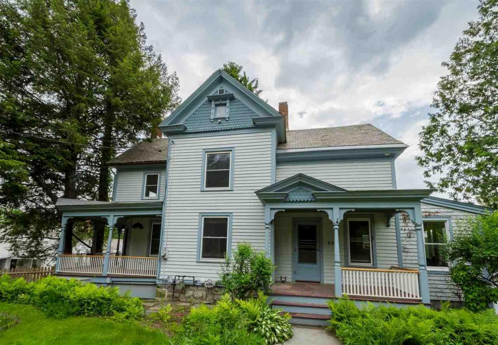 240 Broad Street is in Schuylerville with 3 bedrooms and 2 bathrooms