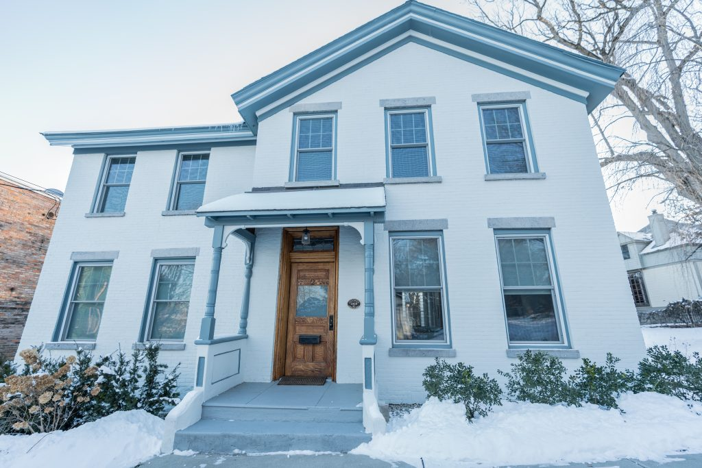 2 North Circular Street is in Saratoga Springs with 4 bedrooms and 2.5 bathrooms.