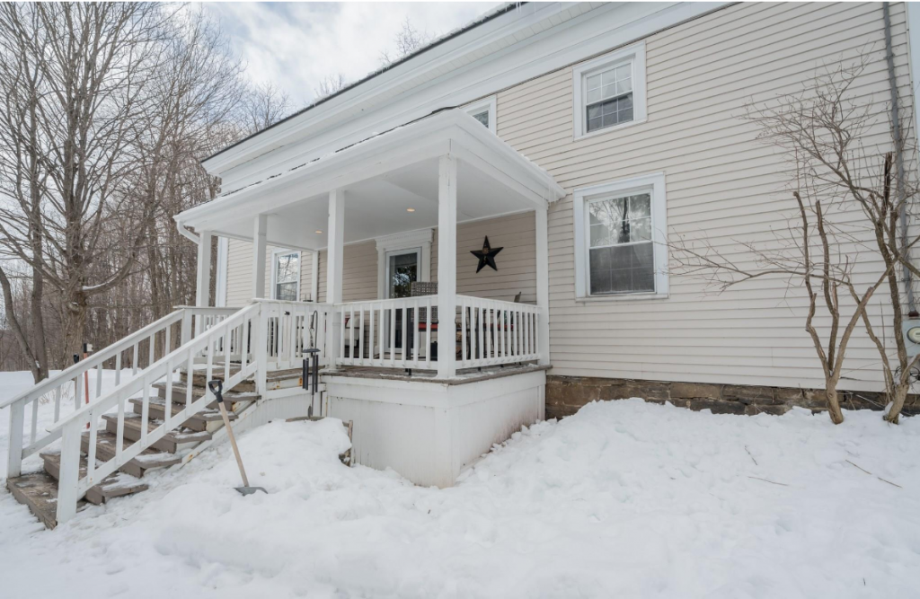 3006 County Highway 107 is a home for sale in Broadalbin, NY